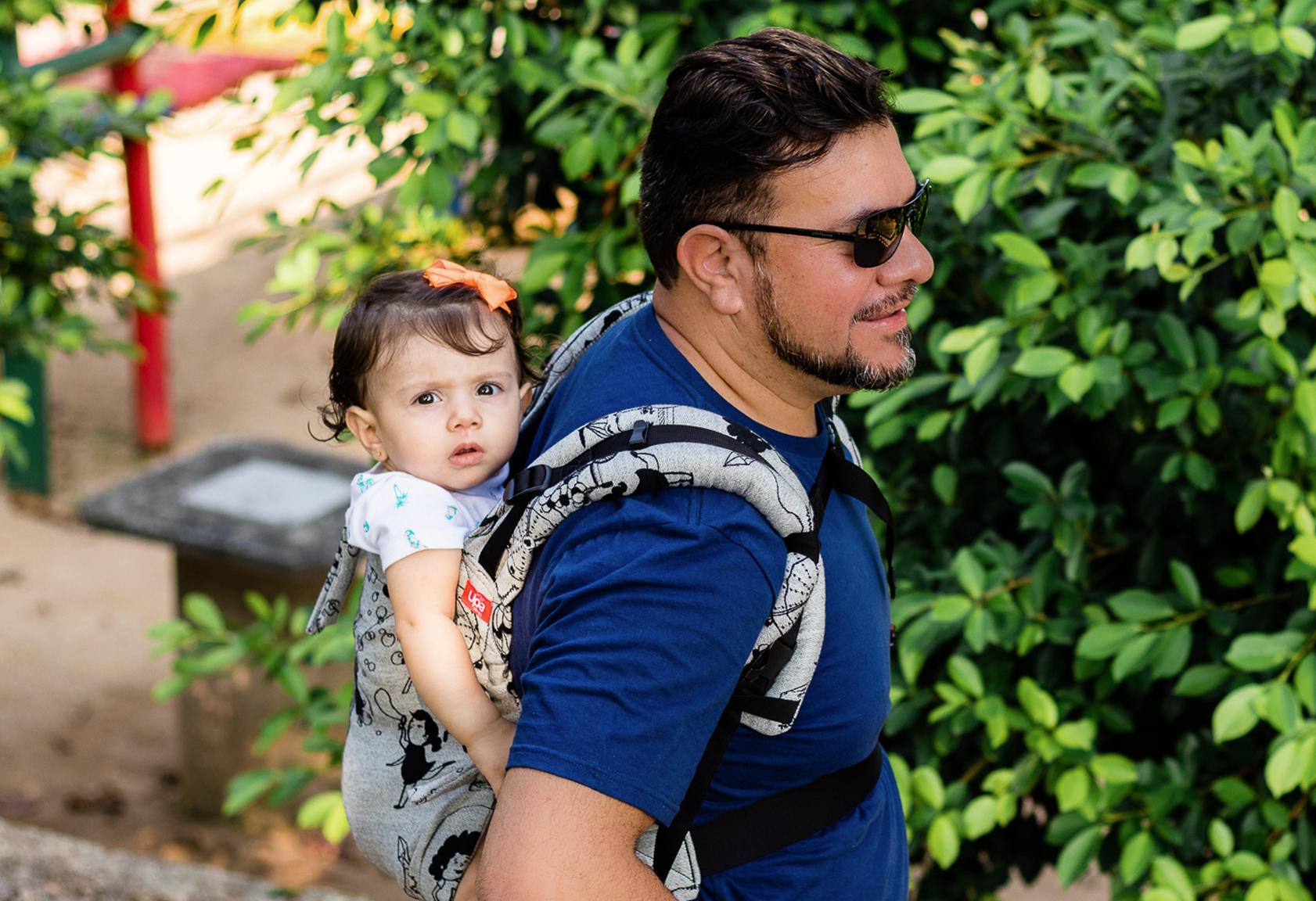 Colo de pai é tão importante para o desenvolvimento das crianças quanto colo de mãe.